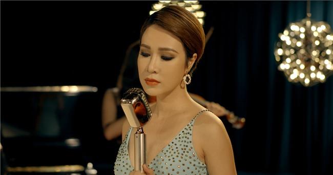 Trở lại sau 3 năm, ca khúc mới của Uyên Linh gây tranh cãi trên mạng xã hội-2