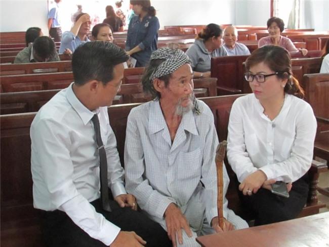 Tòa miễn hình phạt cho cụ ông 84 tuổi bị con đòi bỏ tù - Ảnh 4.