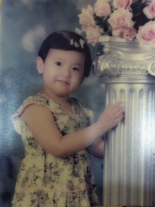 Lộ hình ảnh ngày bé không khác gì con trai của Tân Hoa hậu Hoàn cầu 2017 - Tin sao Viet - Tin tuc sao Viet - Scandal sao Viet - Tin tuc cua Sao - Tin cua Sao