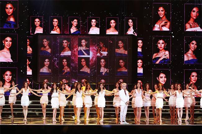Đêm Bán kết Hoa hậu Hoàn vũ Việt Nam 2017 vẫn được diễn ra ngay lúc bão lũ đang hoành hành. - Tin sao Viet - Tin tuc sao Viet - Scandal sao Viet - Tin tuc cua Sao - Tin cua Sao