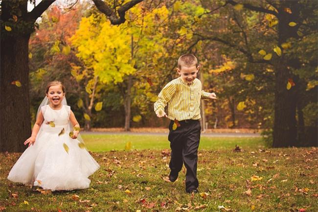 Cho con gái 5 tuổi chụp ảnh cưới, bà mẹ bị phản đối dữ dội nhưng khi biết sự thật, ai cũng nghẹn ngào bật khóc - Ảnh 1.