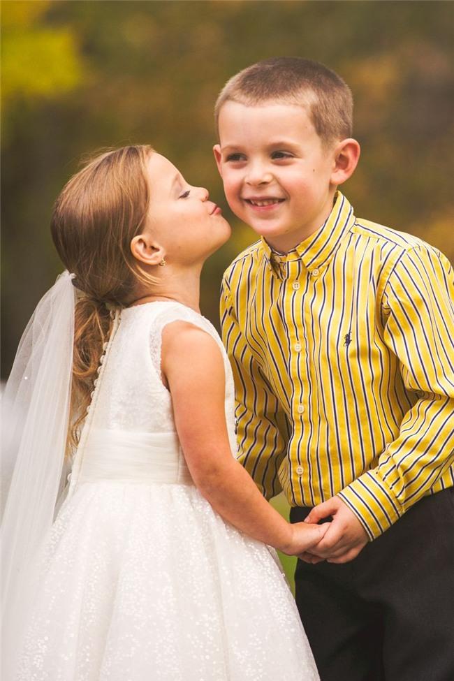 Cho con gái 5 tuổi chụp ảnh cưới, bà mẹ bị phản đối dữ dội nhưng khi biết sự thật, ai cũng nghẹn ngào bật khóc - Ảnh 2.