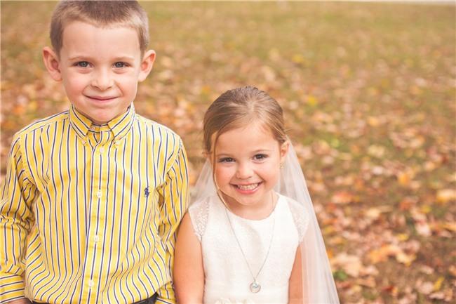Cho con gái 5 tuổi chụp ảnh cưới, bà mẹ bị phản đối dữ dội nhưng khi biết sự thật, ai cũng nghẹn ngào bật khóc - Ảnh 3.