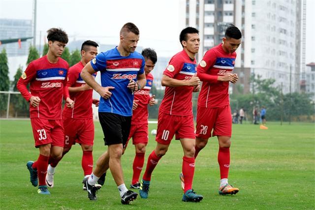Đội trưởng Văn Quyết đánh giá cao HLV Park Hang Seo - Ảnh: Gia Hưng