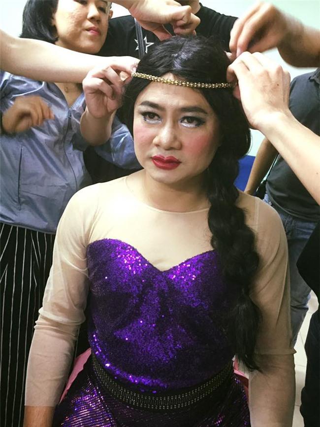 Ơn giời, cậu đây rồi nhái đôi môi ấn tượng của Hoa hậu Đại dương! - Ảnh 1.
