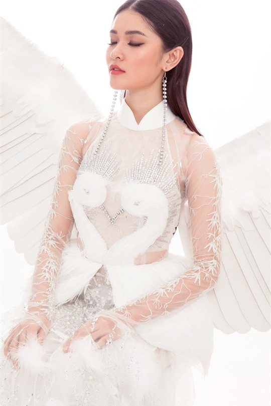 Trang phục dân tộc dự thi Hoa hậu Quốc Tế của Thùy Dung bị chê quê mùa và thiếu tinh tế-5