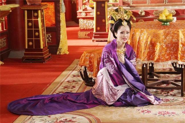 Hoàng hậu xinh đẹp mà vô đạo bậc nhất Trung Hoa xưa: Vu oan em gái để cướp ngôi, ngoại tình với thái giám, hãm hại vua - Ảnh 8.