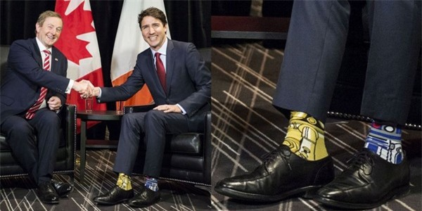 """Thủ tướng Justin Trudeau mang đôi tất với họa tiết """"Star Wars"""" gây sốt cộng đồng mạng"""