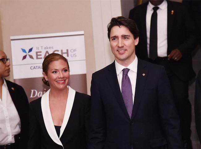 Lời tỏ tình lịm tim và 12 năm hôn nhân trên cả mật ngọt của Thủ tướng Canada đẹp trai như tài tử - Ảnh 8.