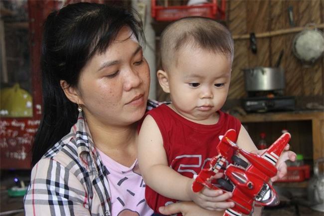 Chồng chết vì tai nạn, người mẹ trẻ nuốt nước mắt nuôi con nhỏ, đau đớn nhìn bố mẹ già bệnh tật không tiền chữa - Ảnh 3.