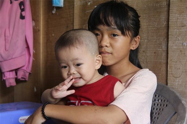 Chồng chết vì tai nạn, người mẹ trẻ nuốt nước mắt nuôi con nhỏ, đau đớn nhìn bố mẹ già bệnh tật không tiền chữa - Ảnh 4.