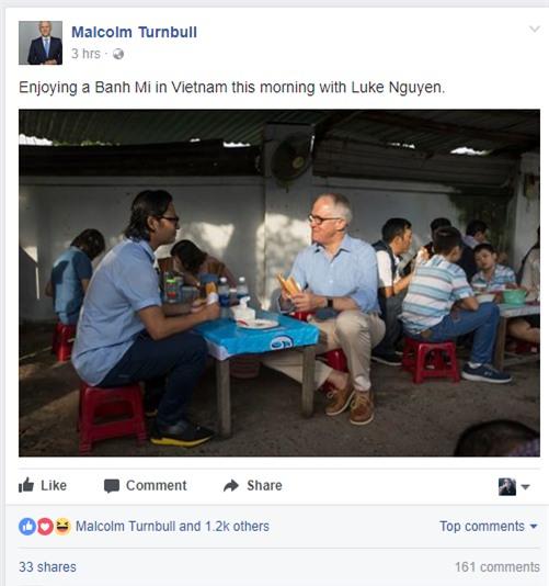 Thủ tướng Úc chia sẻ ảnh lần đầu thưởng thức bánh mì tại Đà Nẵng cùng Luke Nguyễn - Ảnh 1.
