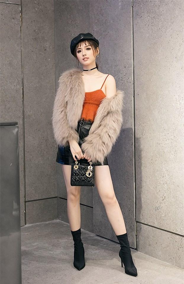 Angela Phương Trinh hóa quý cô cổ điển kiêu kì, đứng top 1 thảm đỏ showbiz tuần này-8