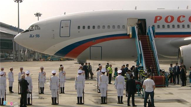 Chuyen co cho Tong thong Putin den Da Nang du APEC hinh anh 6