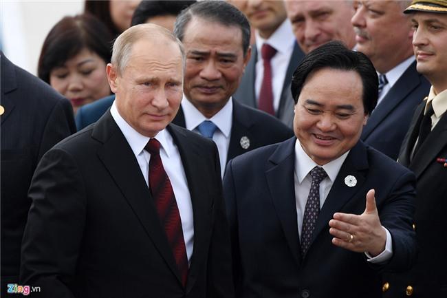 Chuyen co cho Tong thong Putin den Da Nang du APEC hinh anh 11