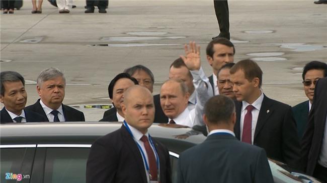 Chuyen co cho Tong thong Putin den Da Nang du APEC hinh anh 12