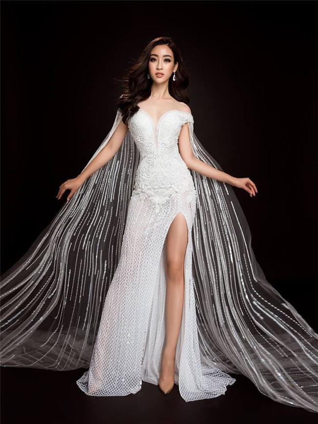Mỹ Linh quyến rũ tựa nữ thần trong loạt trang phục dạ hội mang đến Miss World 2017 - Ảnh 2.