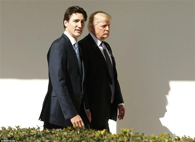 Đi công du tới đâu, Thủ tướng Justin Trudeau cũng phong thái ngời ngời, thu hút mọi ánh nhìn từ mọi người - Ảnh 10.
