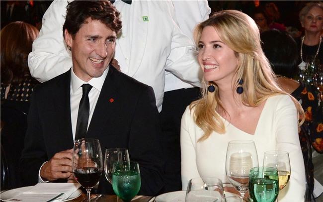 Đi công du tới đâu, Thủ tướng Justin Trudeau cũng phong thái ngời ngời, thu hút mọi ánh nhìn từ mọi người - Ảnh 13.