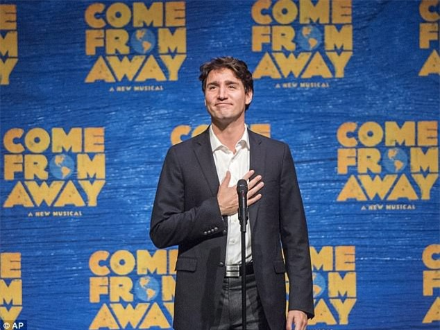 Đi công du tới đâu, Thủ tướng Justin Trudeau cũng phong thái ngời ngời, thu hút mọi ánh nhìn từ mọi người - Ảnh 15.