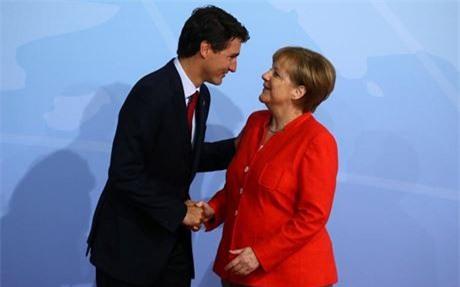 Đi công du tới đâu, Thủ tướng Justin Trudeau cũng phong thái ngời ngời, thu hút mọi ánh nhìn từ mọi người - Ảnh 6.