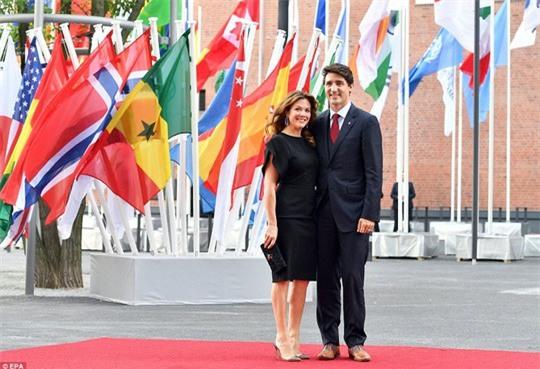 Đi công du tới đâu, Thủ tướng Justin Trudeau cũng phong thái ngời ngời, thu hút mọi ánh nhìn từ mọi người - Ảnh 8.