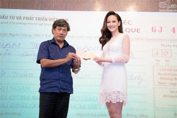 Hoa hậu Hoàn cầu Khánh Ngân: Không đủ tiền để mua giải khi lông mi giả còn phải đi mượn thí sinh khác-5