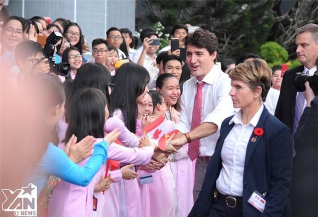 Đây là sao Việt duy nhất được chụp ảnh với Thủ tướng soái ca của Canada - Tin sao Viet - Tin tuc sao Viet - Scandal sao Viet - Tin tuc cua Sao - Tin cua Sao