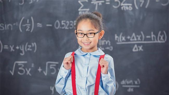 Đứa trẻ bản lĩnh và tự tin luôn được bố mẹ dạy theo 5 nguyên tắc này - Ảnh 1.