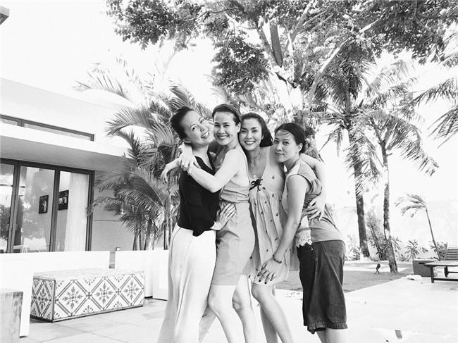 Hội bạn thân Hà Tăng: 10 năm từ các cô gái đôi mươi đến những người mẹ bỉm sữa vẫn bên nhau như tri kỉ! - Ảnh 11.