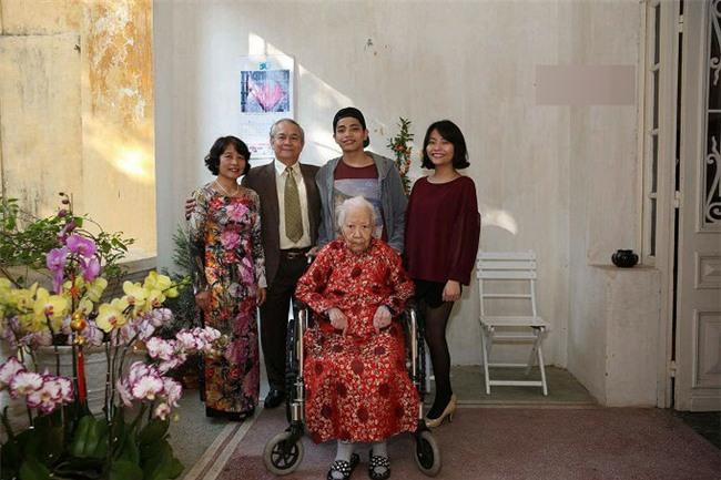 Con dâu người hiến 5.000 lượng vàng tiết lộ điều bất ngờ về mẹ