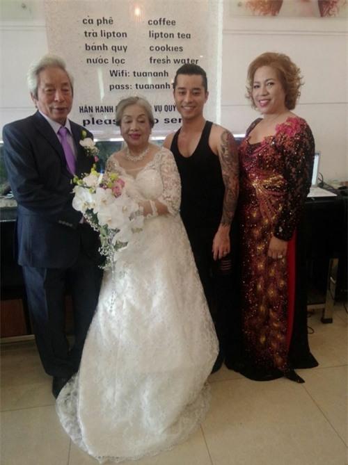 Đám cưới ông bà anh: Cặp vợ chồng già 80 tuổi tổ chức tiệc linh đình gây bão mạng-2