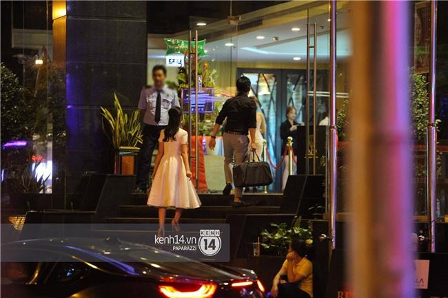 Bắt gặp Phan Thành - Primmy Trương nắm tay tình tứ sau tiệc sinh nhật - Ảnh 4.