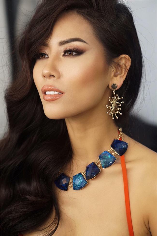 Đặt chân sang Mỹ tham dự Miss Universe 2017, Nguyễn Thị Loan đã mắc lỗi trang phục ngay ngày đầu tiên - Ảnh 1.