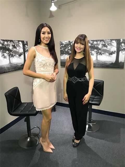 Đặt chân sang Mỹ tham dự Miss Universe 2017, Nguyễn Thị Loan đã mắc lỗi trang phục ngay ngày đầu tiên - Ảnh 9.