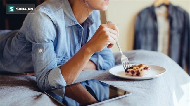 Ăn vào thời điểm này trong ngày, coi chừng mắc căn bệnh mang tên sát thủ thầm lặng - Ảnh 2.