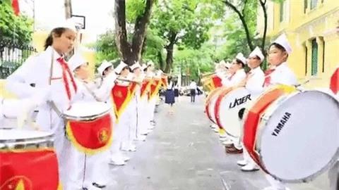 Clip kỉ niệm 100 năm thành lập trường cool như MV ca nhạc của học sinh Trưng Vương-1
