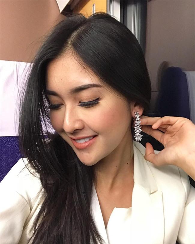 Nhan sắc xinh đẹp của đại diện Indonesia, cô gái đánh bại hơn 70 đối thủ vừa đăng quang Miss International 2017 - Ảnh 9.