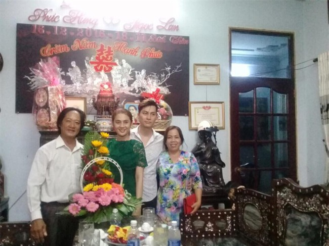 Lâm Khánh Chi và bạn trai rơi nước mắt vỡ òa hạnh phúc trong ngày dạm ngõ - Ảnh 1.