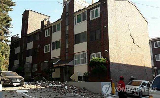 Hàn Quốc: Động đất 5,5 độ richter mạnh thứ 2 trong lịch sử, người dân hoảng sợ tháo chạy - Ảnh 12.