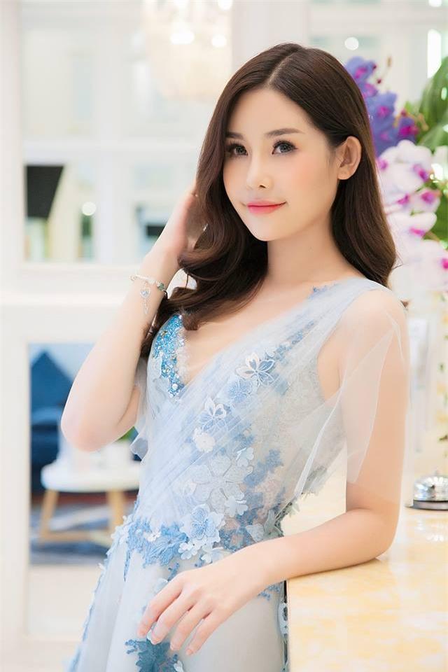 Hoa hậu Ngân Anh lên tiếng xin lỗi, khẳng định không có ý thách thức hay xúc phạm Nguyễn Thị Thành - Ảnh 1.