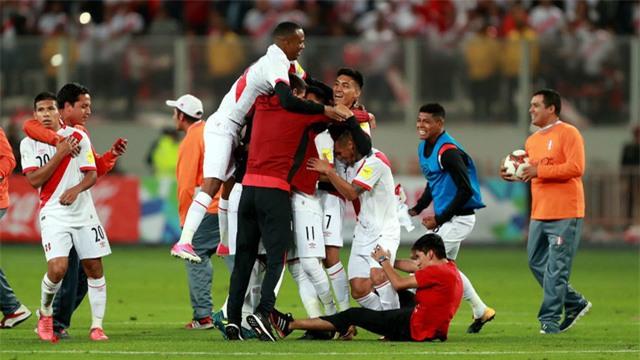 Niềm vui của Peru sau khi giành vé đến Nga mùa Hè năm sau