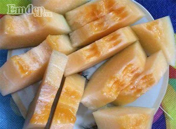 Chảy nước miếng với thứ dưa đặc sản Hải Phòng ngon ngọt không kém dưa Hàn Quốc giá chỉ 40.000 đồng/kg