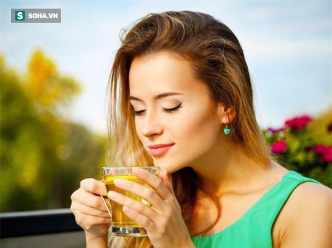 Chỉ cần thêm 1 trong 6 thứ sau vào nước uống hàng ngày, cơ thể sẽ được thải độc rất tốt - Ảnh 2.