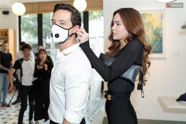 Sau hình ảnh hôn má, Hà Hồ - Kim Lý công khai tình bể bình giữa chốn đông người - Ảnh 7.
