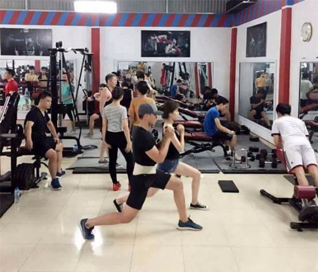 Hà Nội: Cháy phòng tập gym, hiện trường nồng nặc mùi xăng - Ảnh 3.