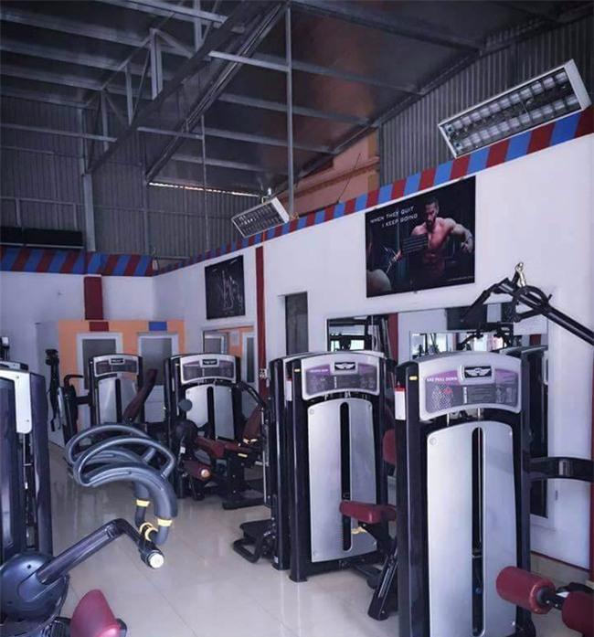 Hà Nội: Cháy phòng tập gym, hiện trường nồng nặc mùi xăng - Ảnh 4.