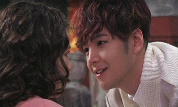 """vua moi gap nhau lan dau anh da doi lam """"chuyen ay"""", lieu anh co that long voi toi? - 1"""