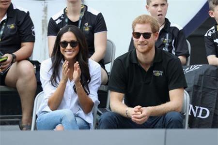 Bạn gái Hoàng tử Harry, Meghan Markle cũng sẽ tới dự hôn lễ