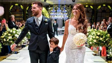 """Messi từng """"cấm tiệt"""" điện thoại trong hôn lễ với Antonella Roccuzzo"""